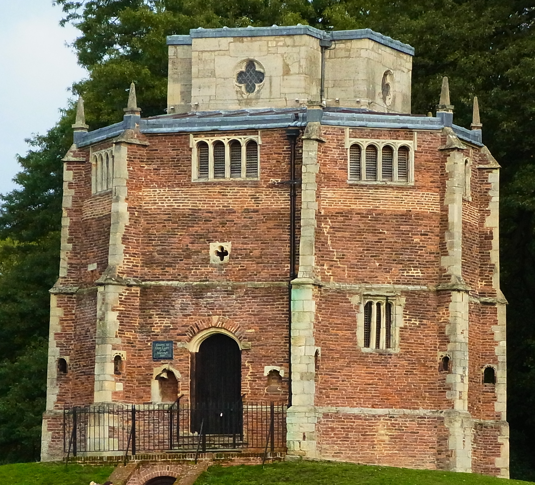 Red Mount Chapel, brick built with limestone 'quoins', marking each corner of the polygon. Stone is also used for window surrounds and top storey.