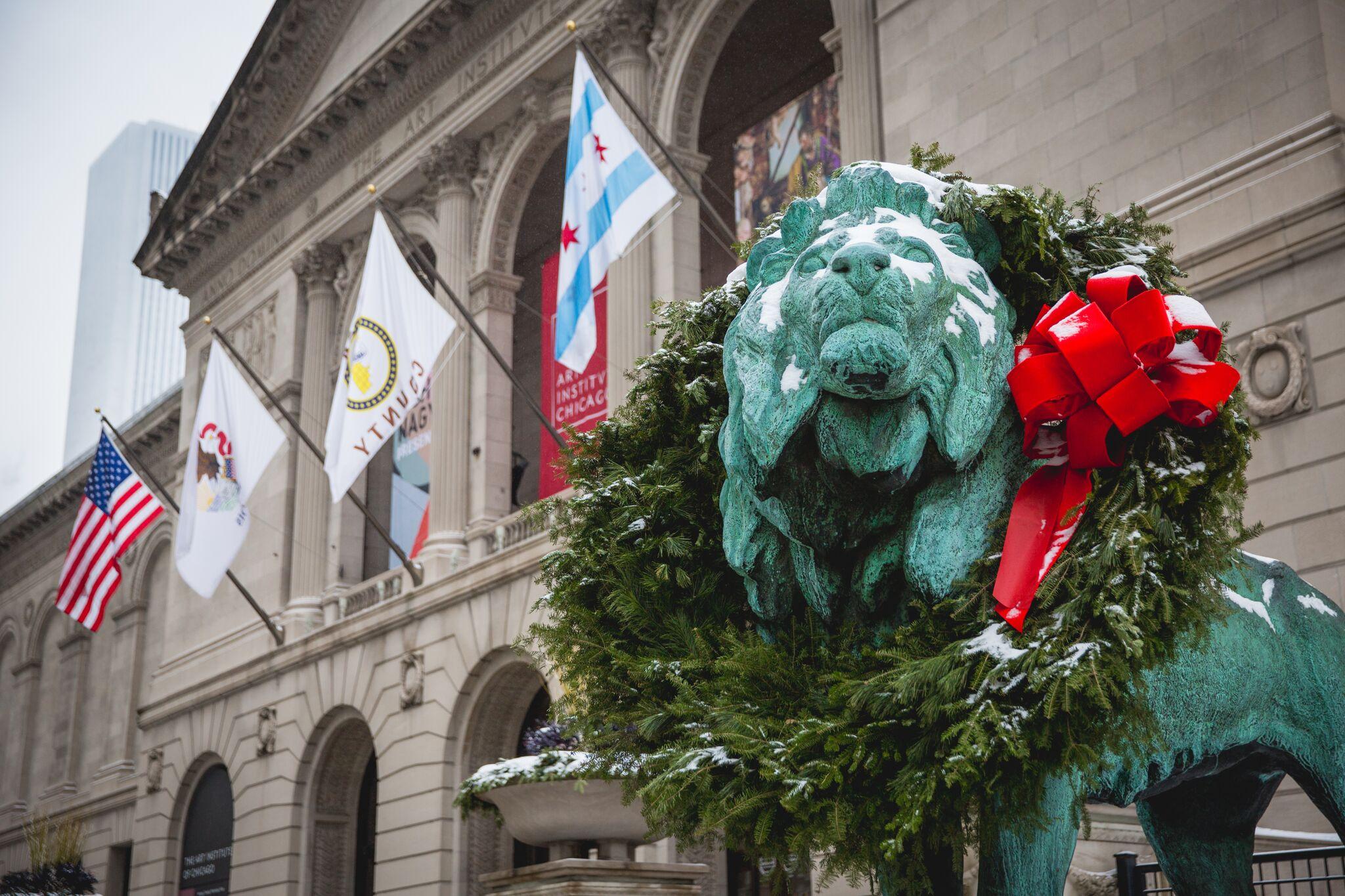 Chicago Art institute Statues