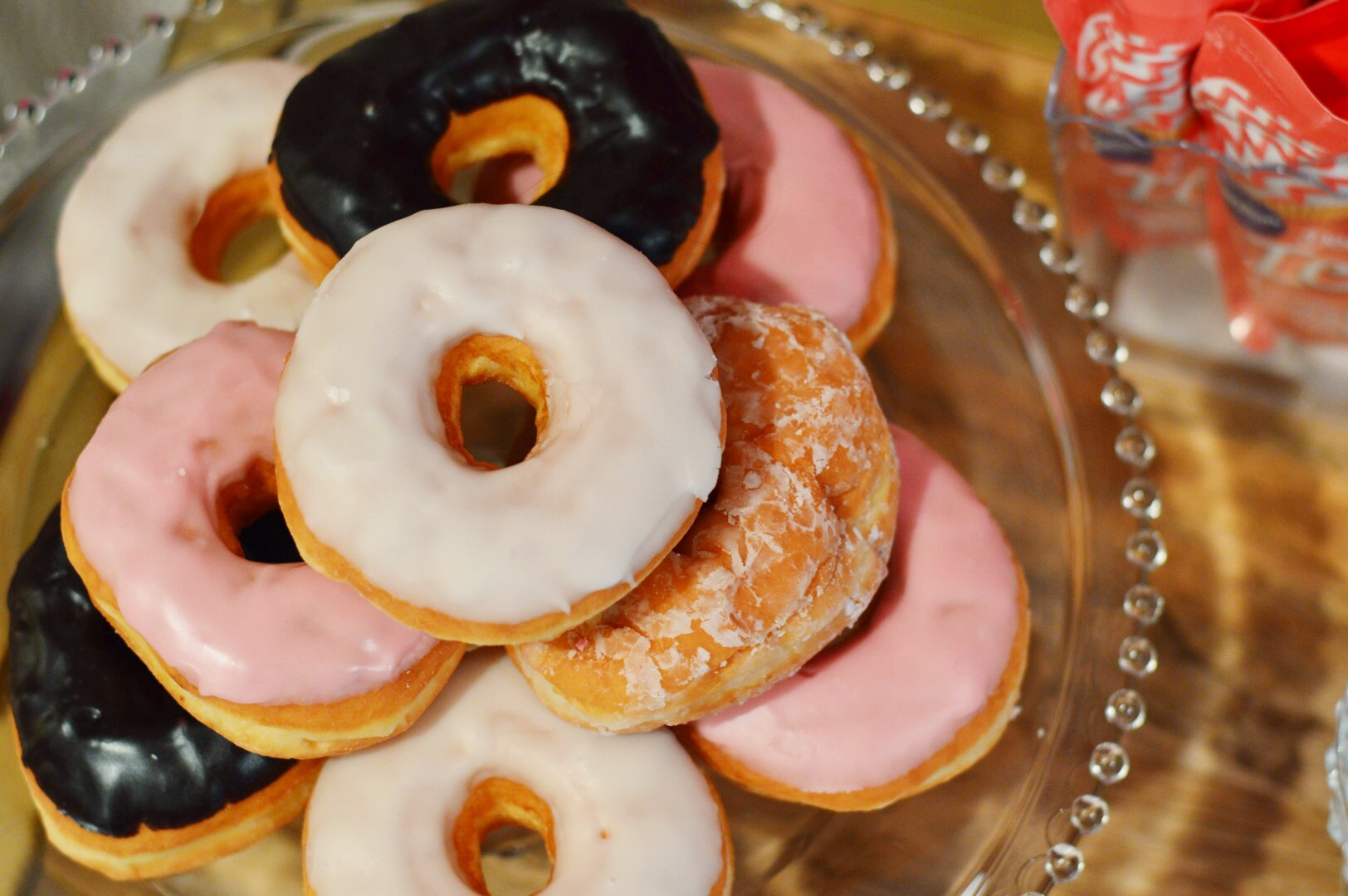 donuts, donut party, valentines day, Wrap It Up Parties