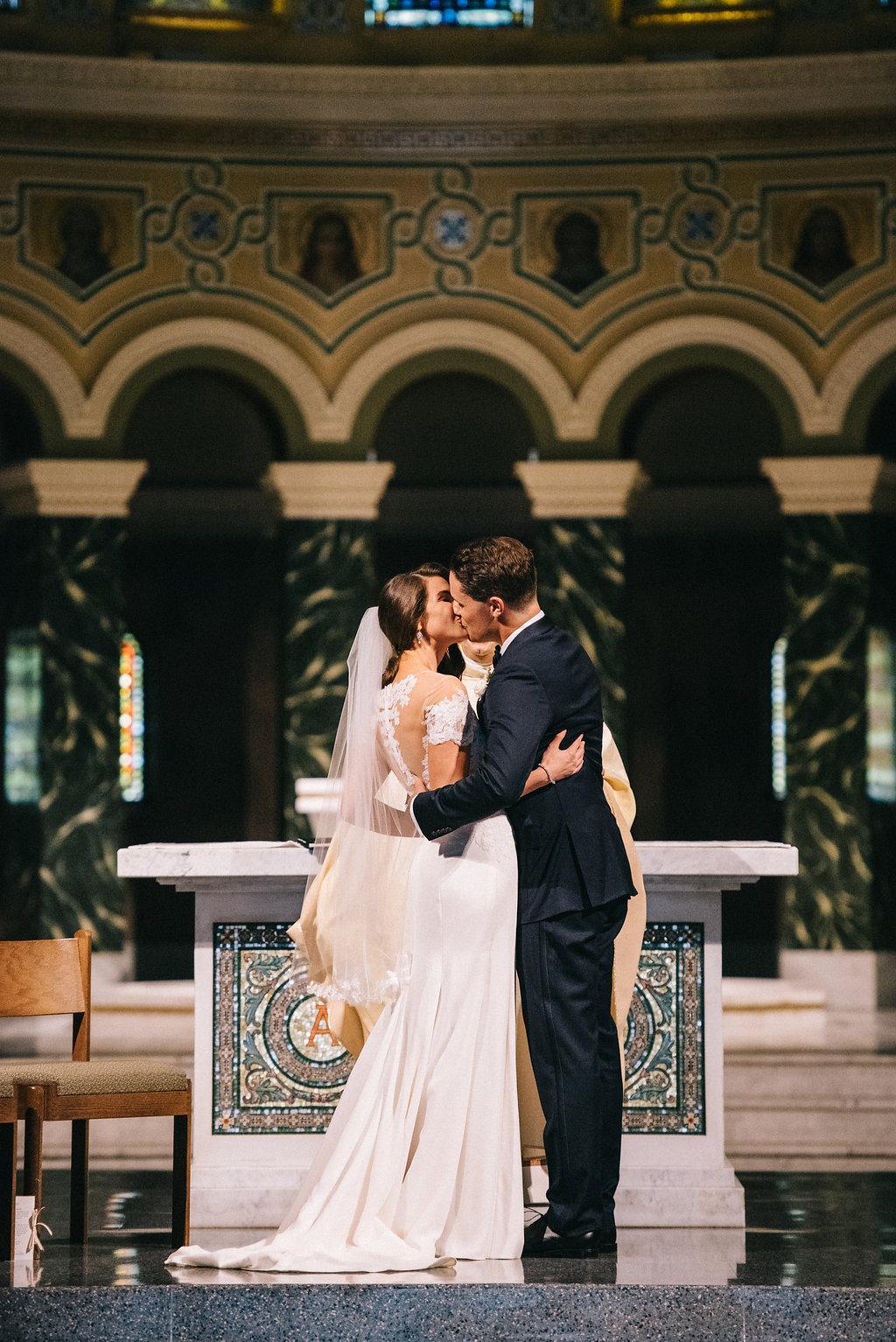 0203--Katelyn_+_Brendan-Wedding_Highlights-Shot_by_Couple_of_Dudes-Joe_Tighe.jpg