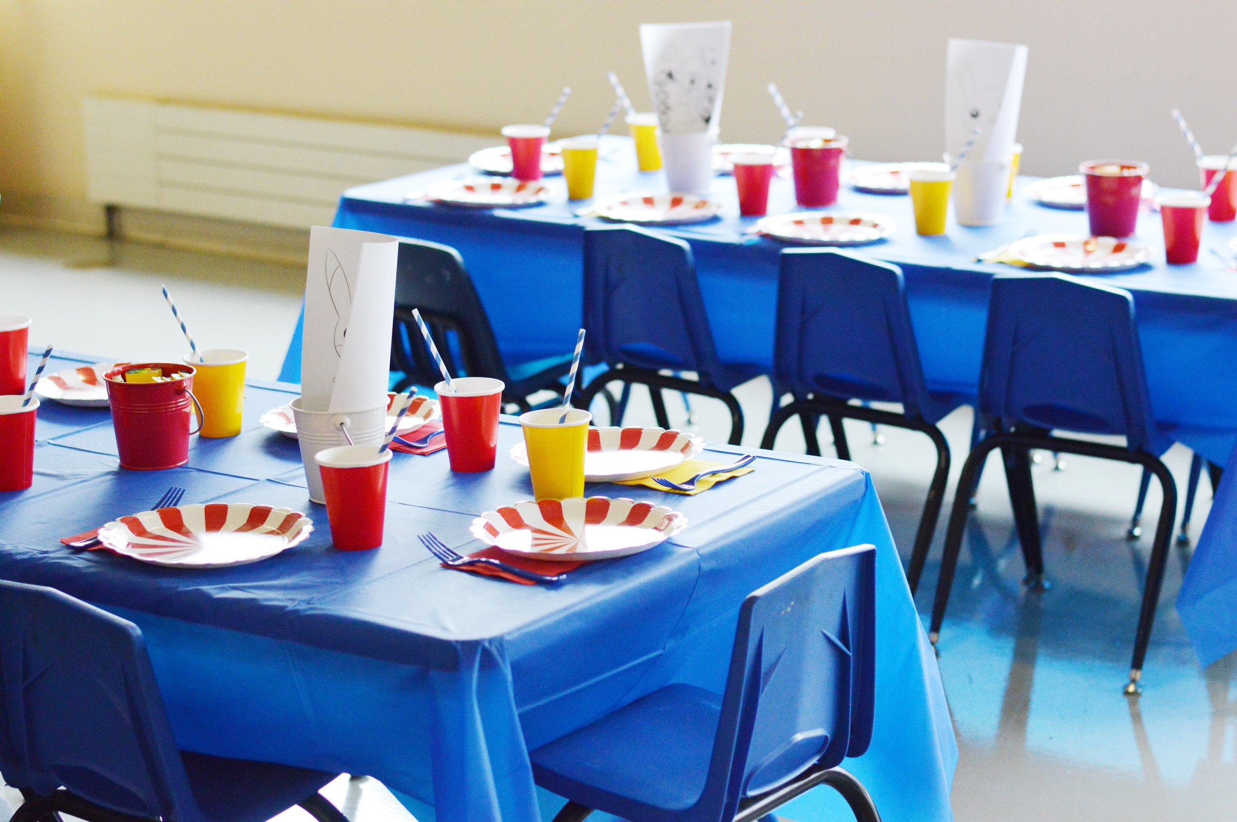 Kids Table 2.JPG