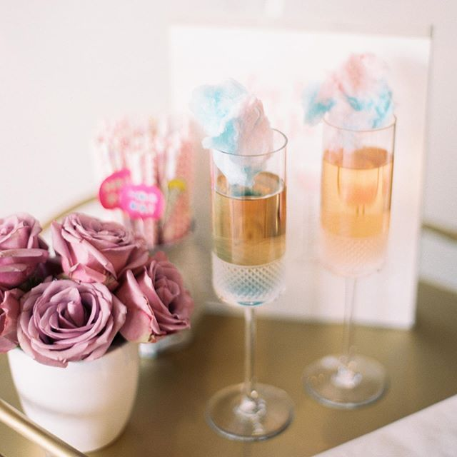 Champagne wishes, Cotton candy dreams ☁️ Photo: @kristinlavoiephoto  #partyplannerchicago #wrapitupparties