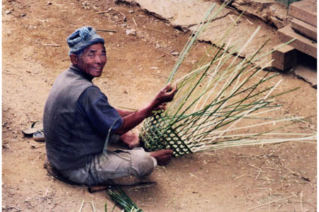 170sherpa weaving basket.jpg