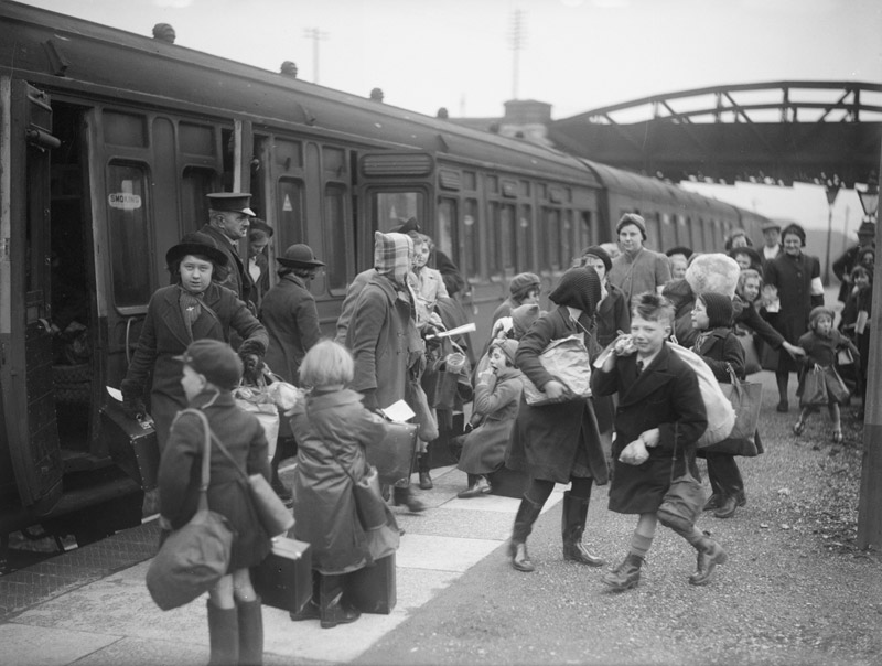Children being evacuated by train.  ©    RAF Museum