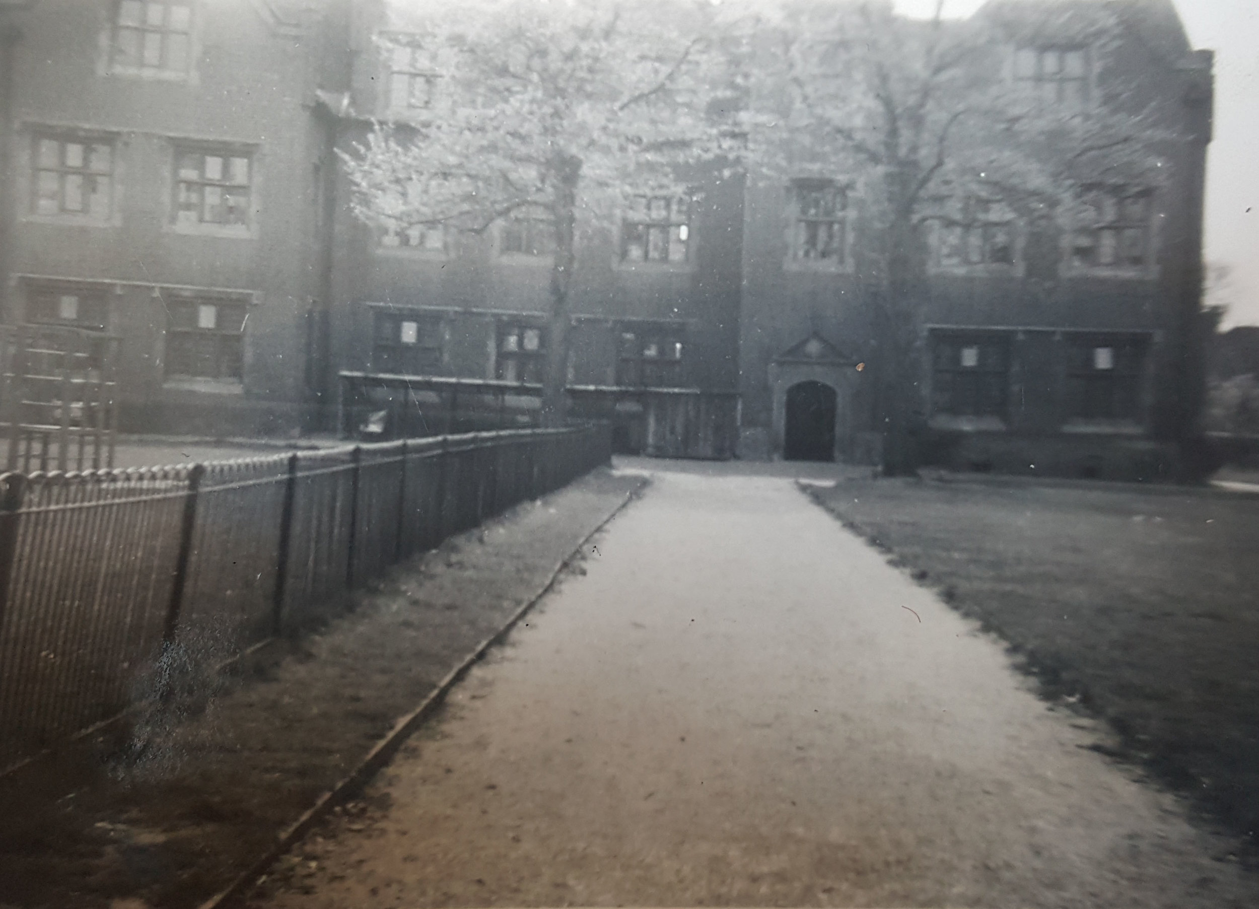 Eastbury Manor c1955, with climbing frames visible in the grounds - Copyright with the author