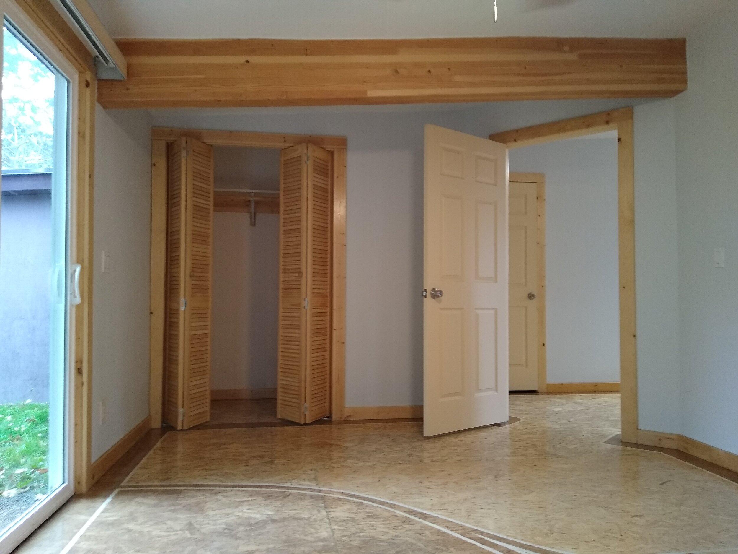 331 mcclaine 1 bedroom (2).jpg
