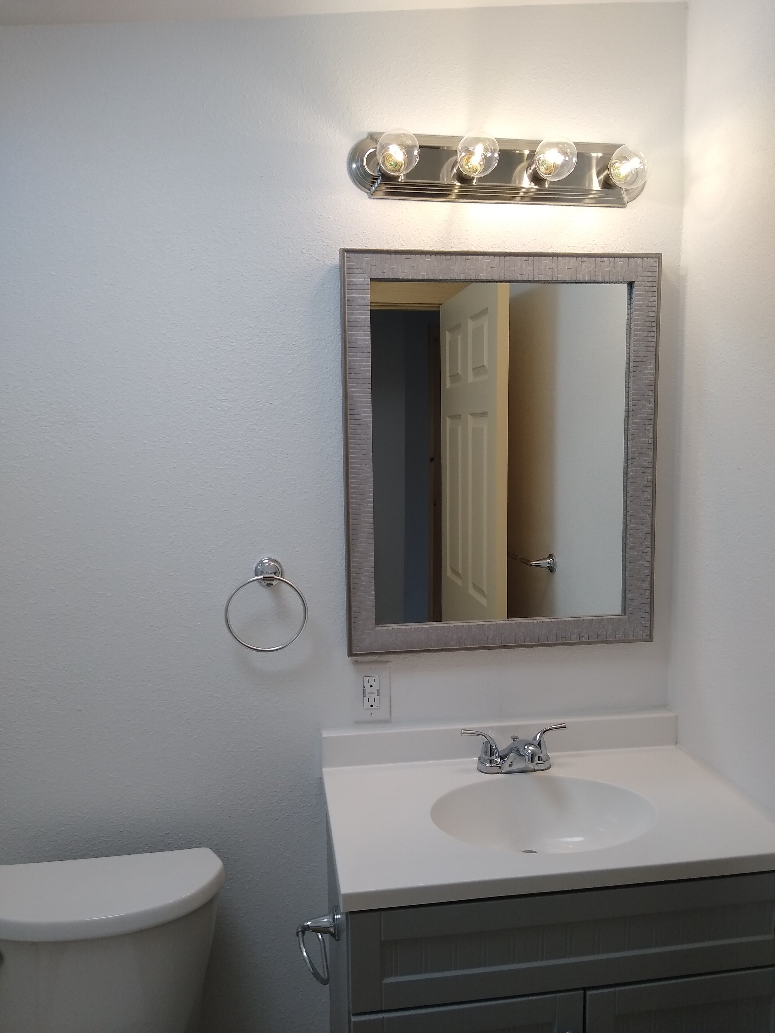331 mcclaine 1 bedroom (5).jpg