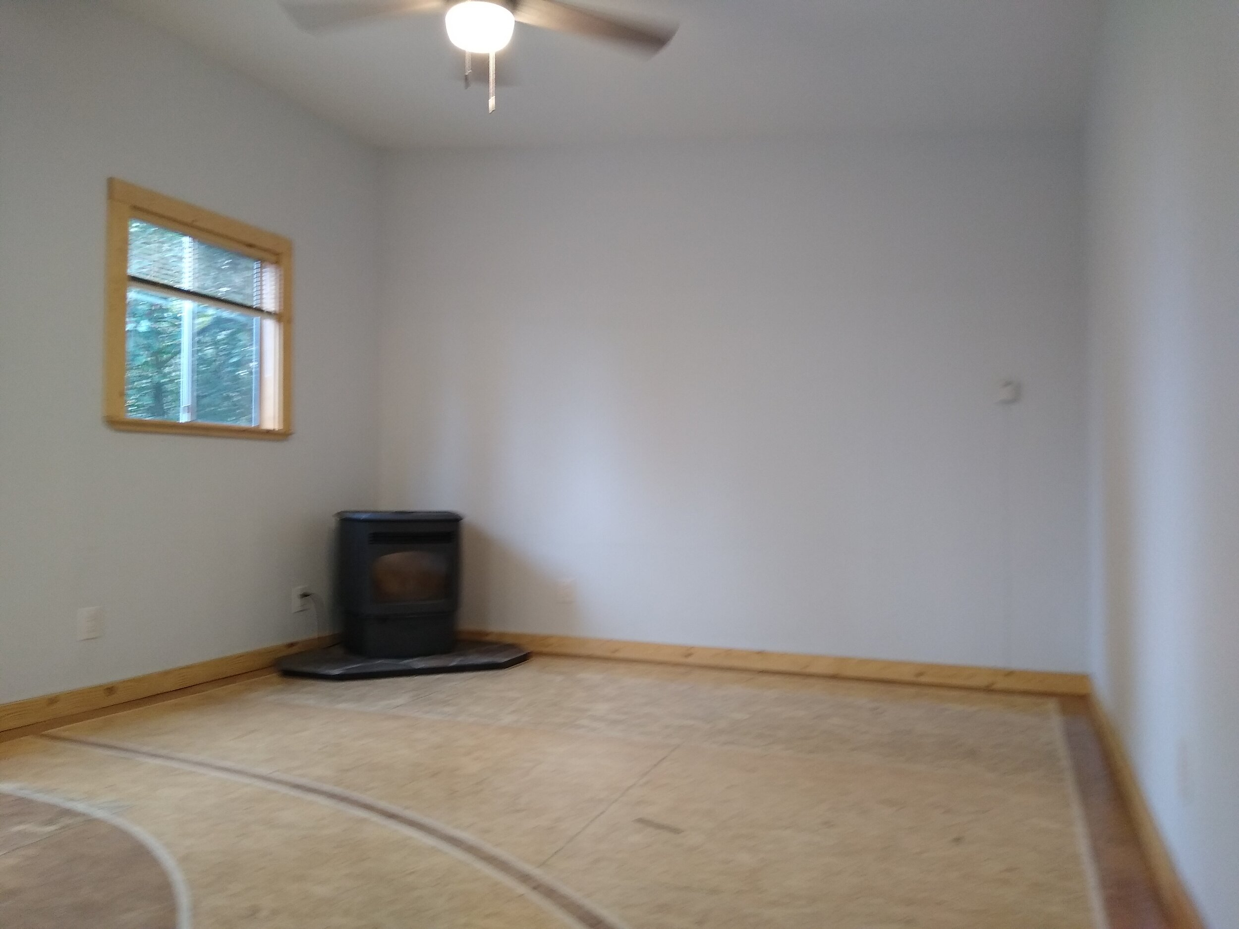 331 mcclaine 1 bedroom (9).jpg