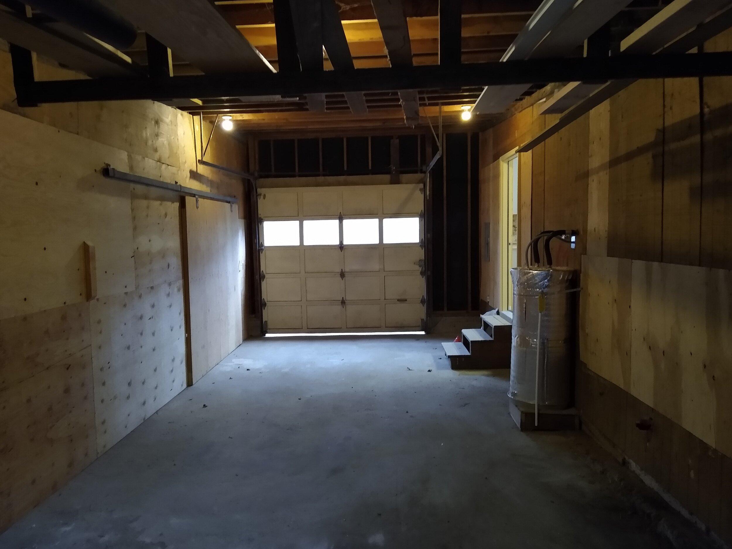 331 mcclaine 1 bedroom (16).jpg