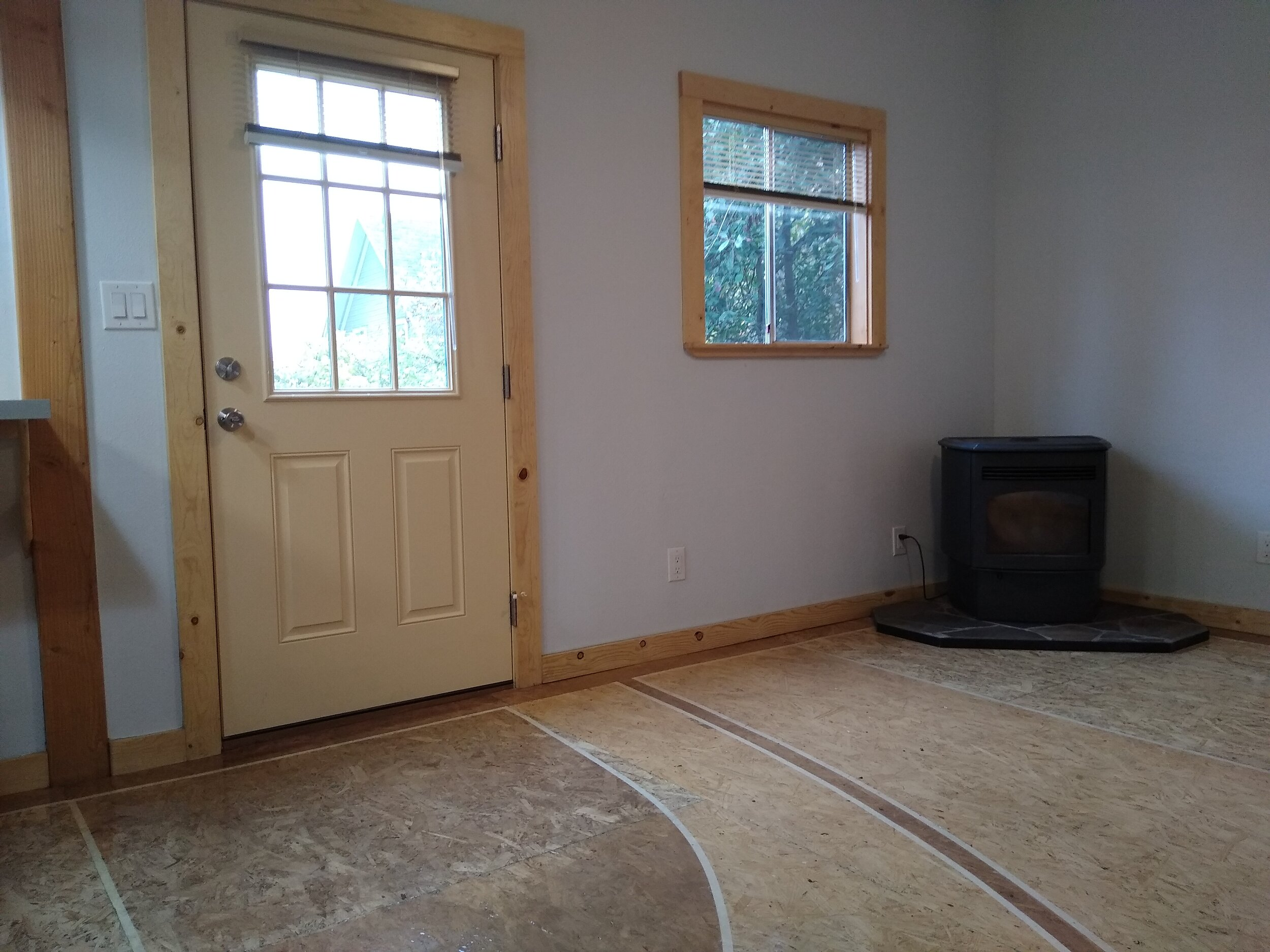 331 mcclaine 1 bedroom (17).jpg