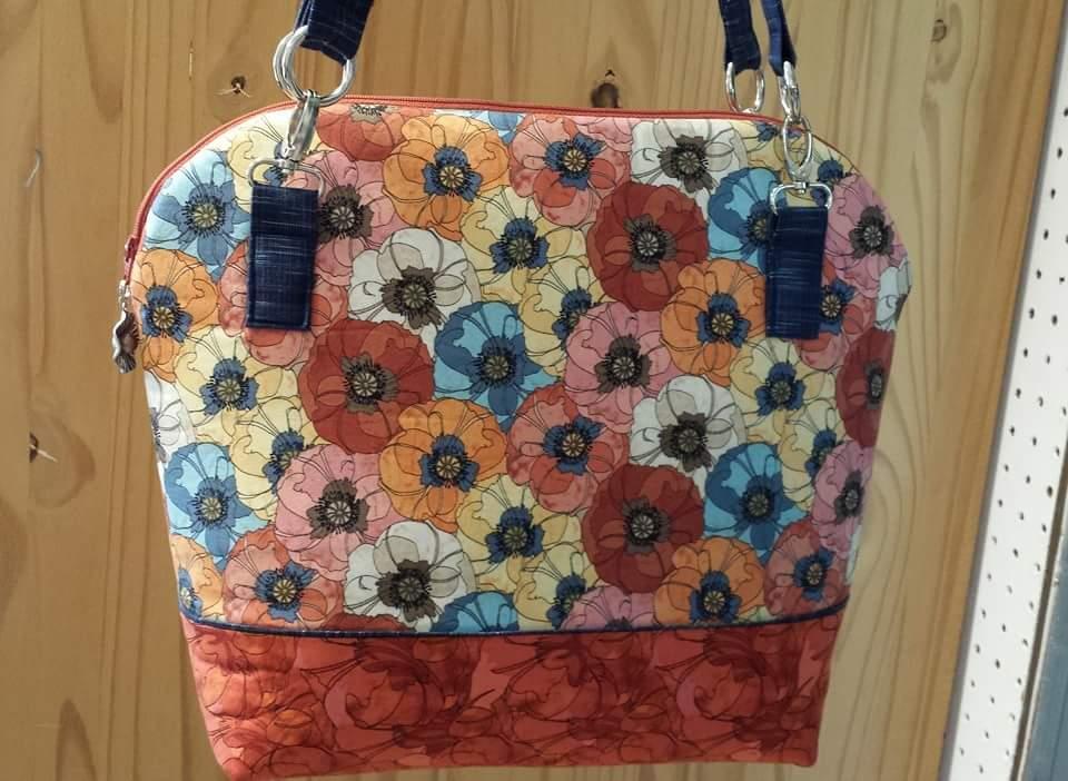 First Class Zipper Top handbag in quilt weight cotton.