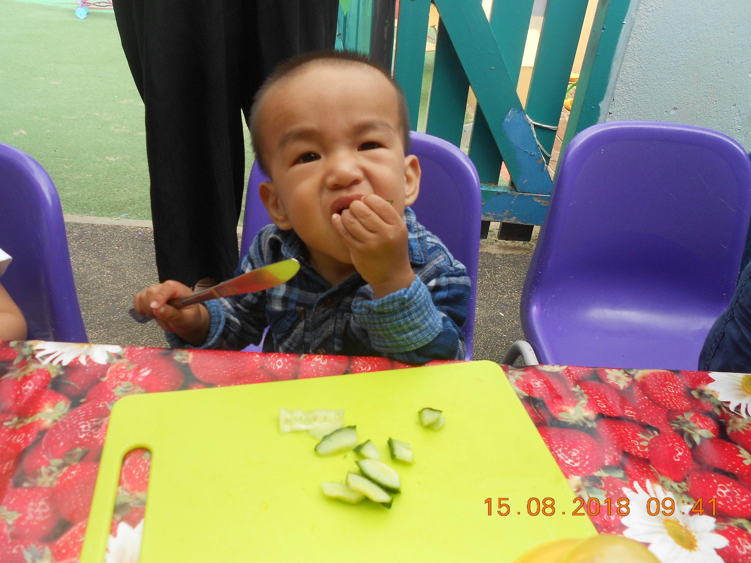 eatingchild.JPG