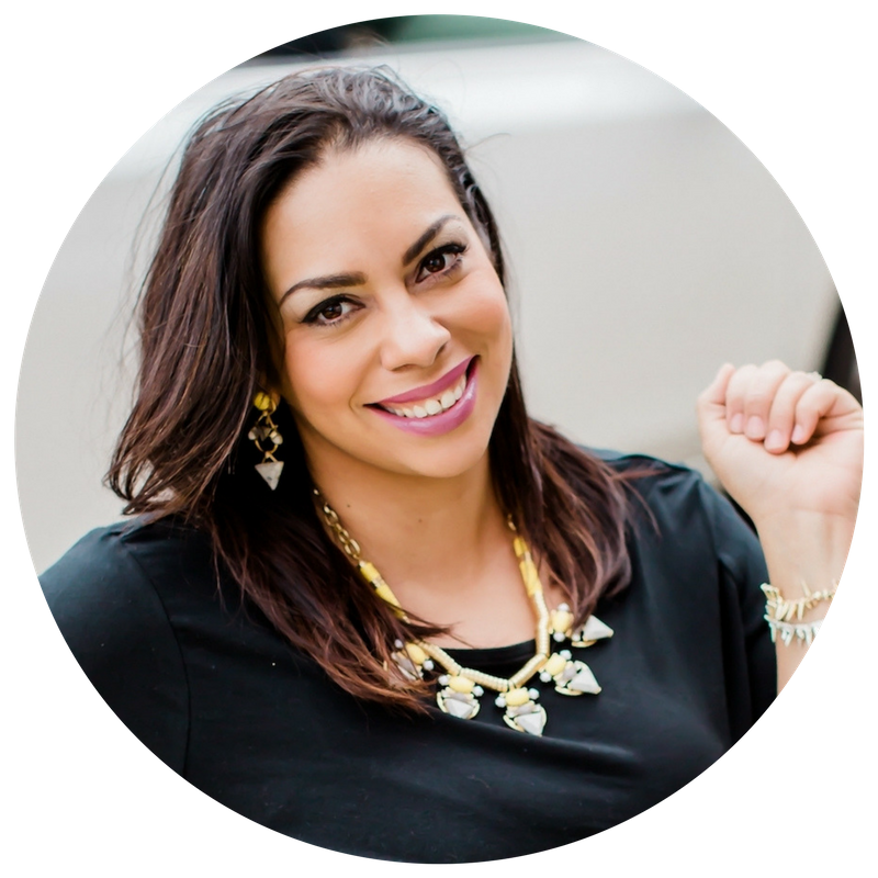 Hi! I'm Moni. I'm a Public Relations Strategist for small biz and solopreneurs. - I collaborate with clients to help scale their brand while reaching their key publics + streamlining their vision to generate results. I have had the honor of working with nonprofits, small biz, and corporate clients at every stage of biz.