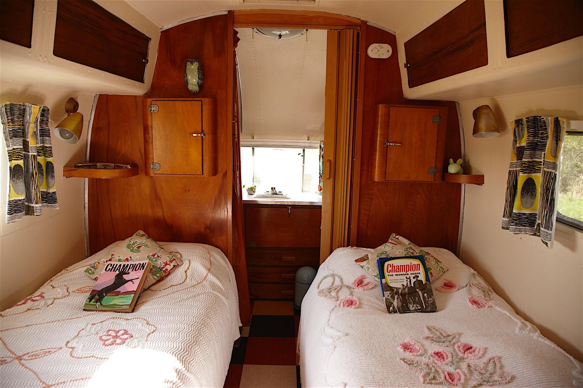Caravan 9.jpg