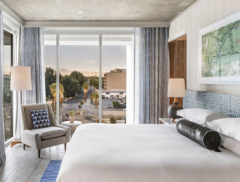 king-spa-bedroom-rowan-palm-springs-015e423a.jpg