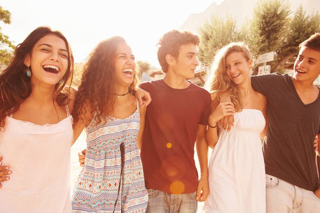group-teenagers-hanging-out.jpg.653x0_q80_crop-smart.jpg