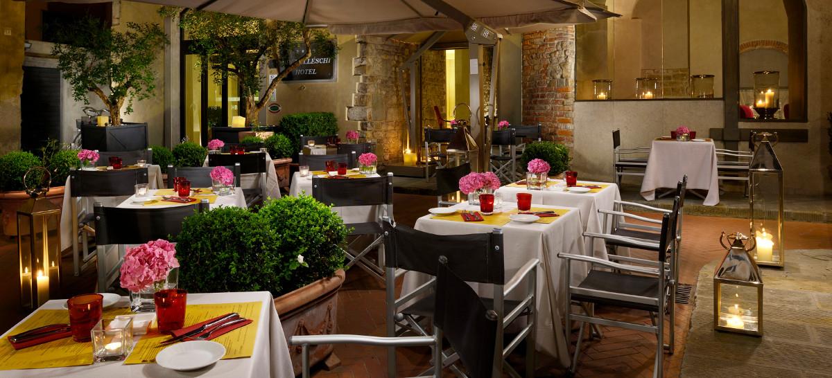 ristorante-esterno-hotel-brunelleschi-firenze.jpg
