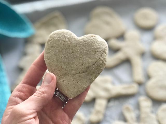Sugar Less Cookies by Kristine Thomas of Welli - gluten free, vegan, flourless, low sugar