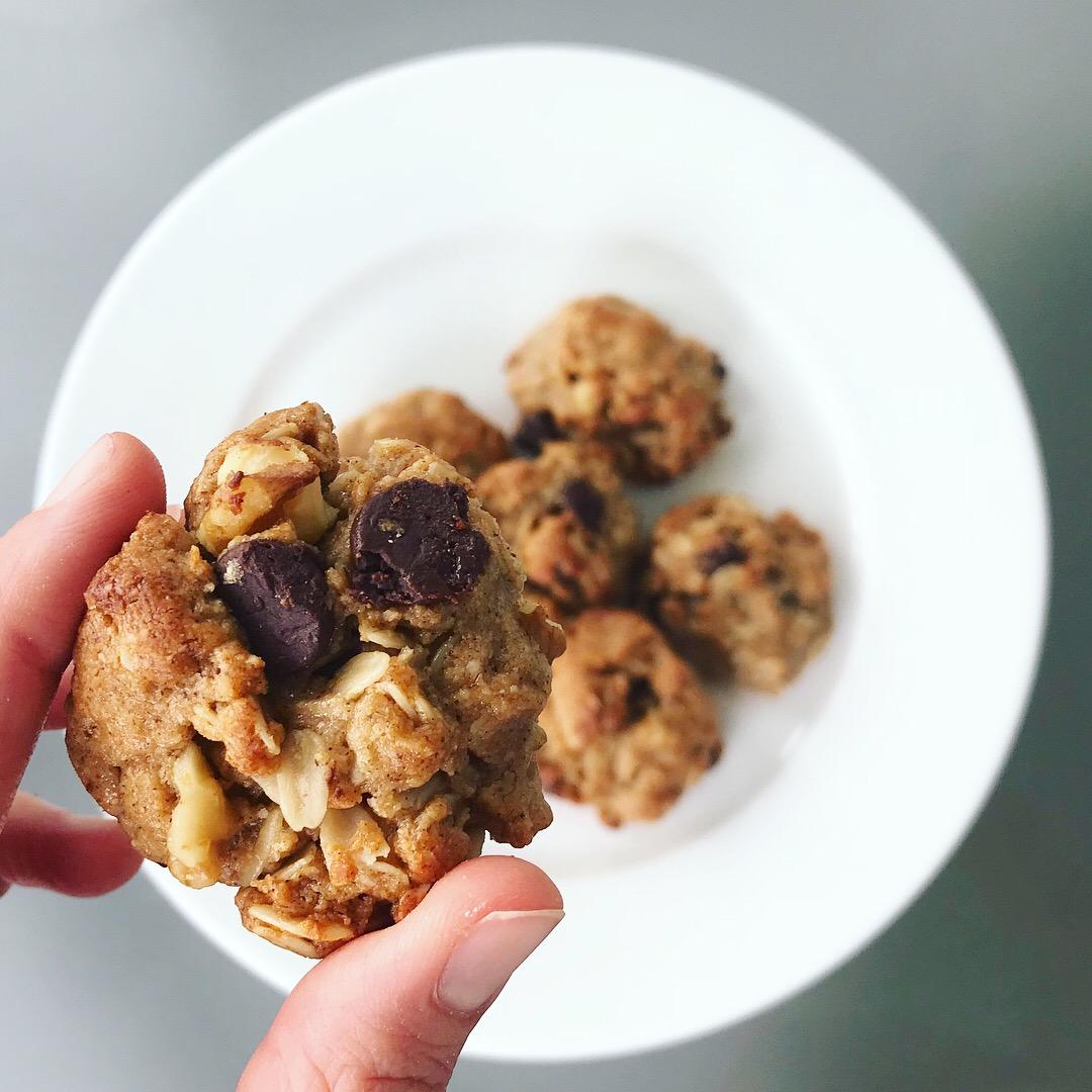 Peanut Butter Bourbon Honey Cookies - www.getWelli.com - #vegan #paleo #dessert #healthy #cookies