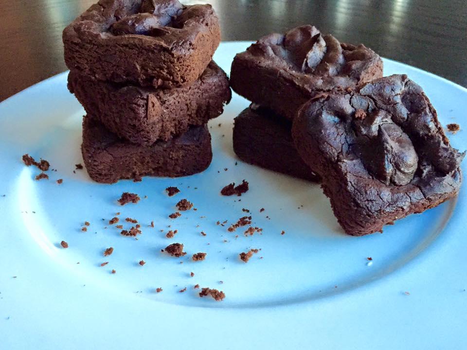 Wild Blueberry Brownies - www.getWelli.com - #getWelli #vegan #grainfree #healthy #dessert