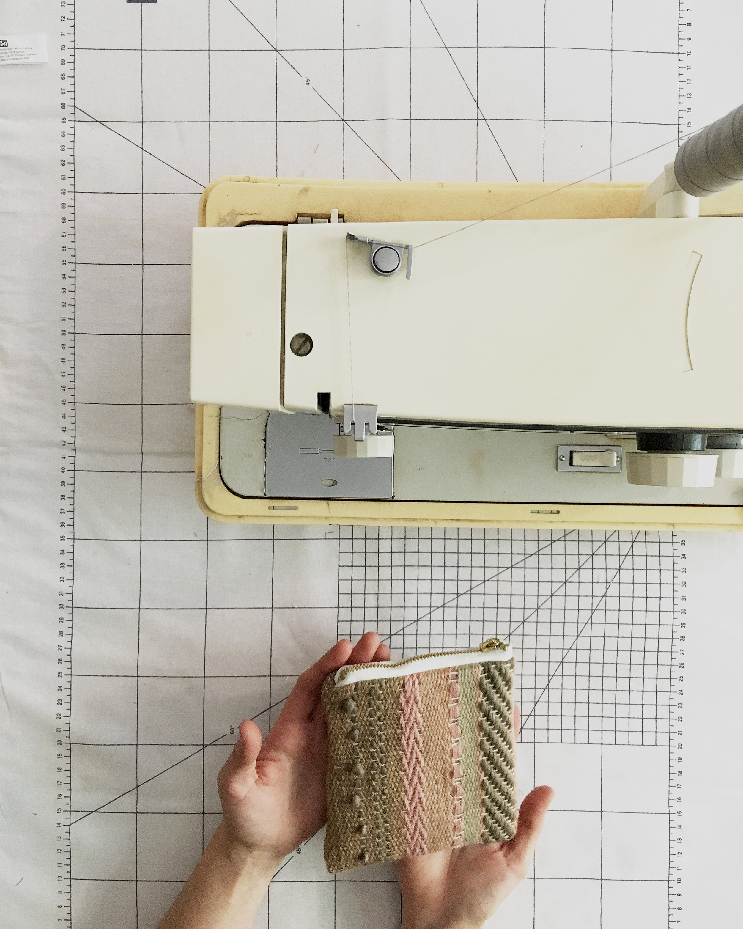 Sewing the handwoven fabric - a step-by-step tutorial #handwoven #pouch #sewing #weaving #tutorial