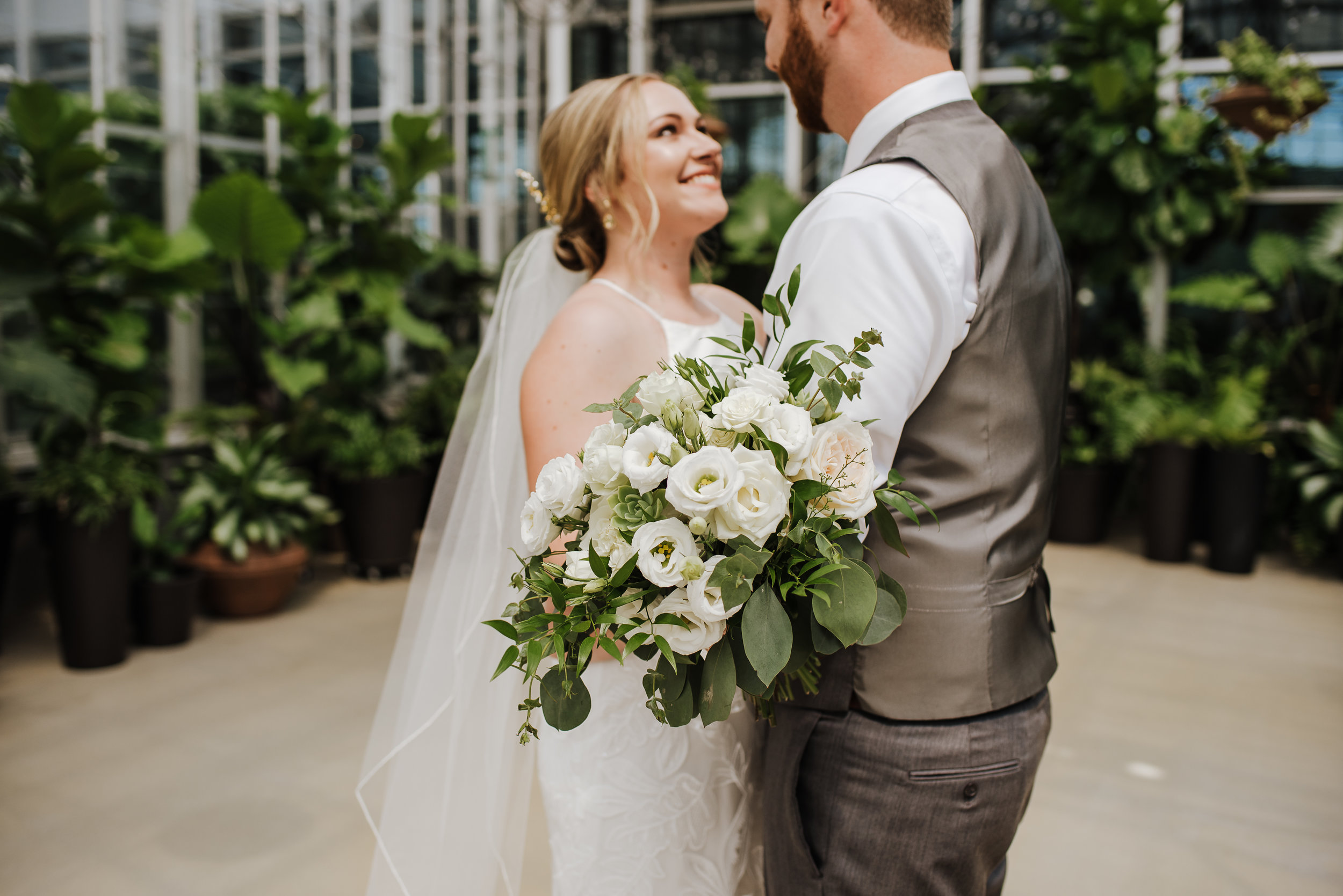 Downtown Market | Grand Rapids, Michigan Wedding Photographer | Greenhouse Wedding