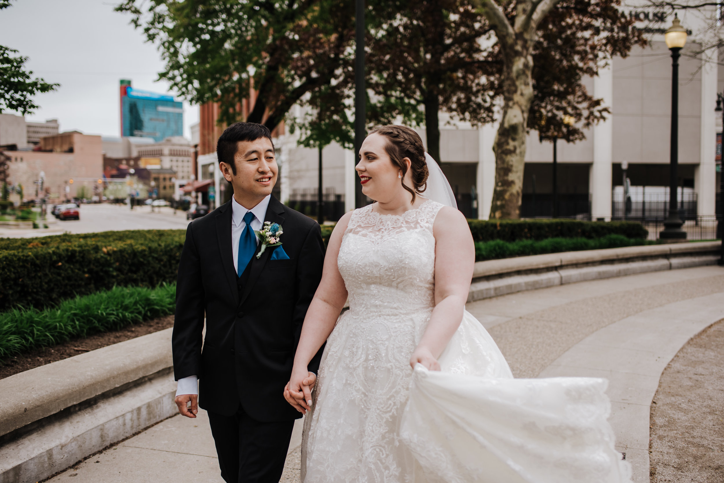 Gem Theatre Downtown Detroit Wedding | City Wedding Photographer