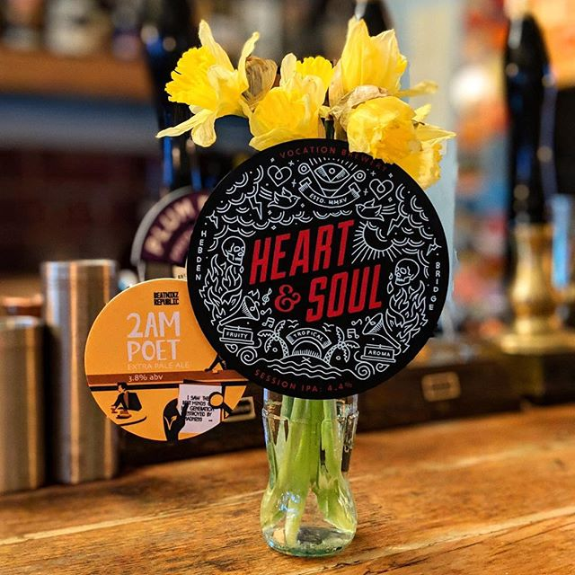 Spring has sprung in your heart & soul, pop on down and drink some gold, 2am or poets neither are we, be on your way home merrily! @vocationbrewery @beatnikzrep #prestwich #manchester #ipa #caskale #beer