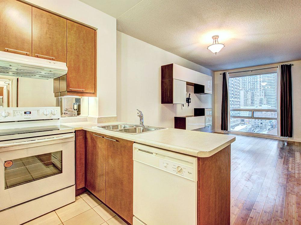 5-Kitchen-2.jpg