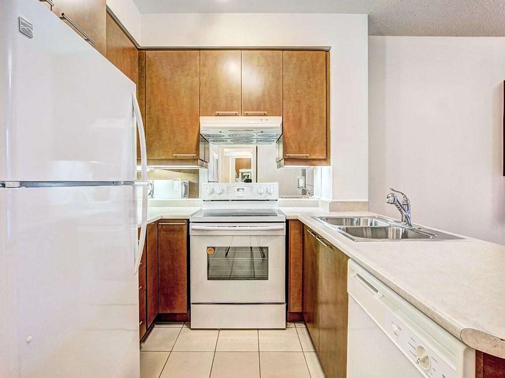 6-Kitchen-1.jpg
