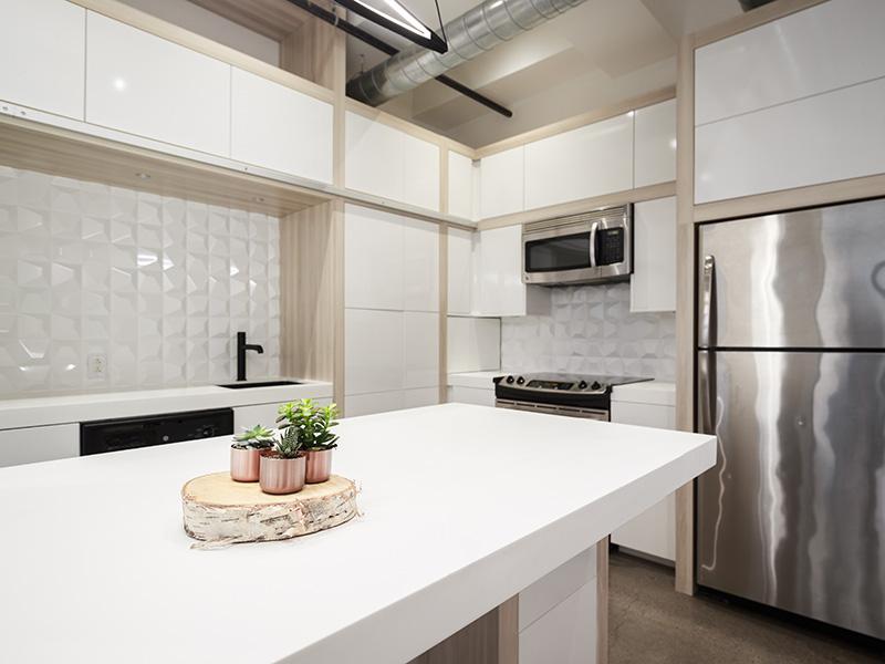 5-Kitchen2.jpg