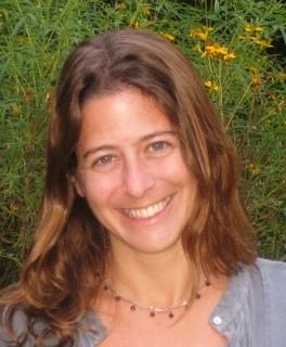 Andrea Lee    Mujeres Unidas y Activas    LinkedIn