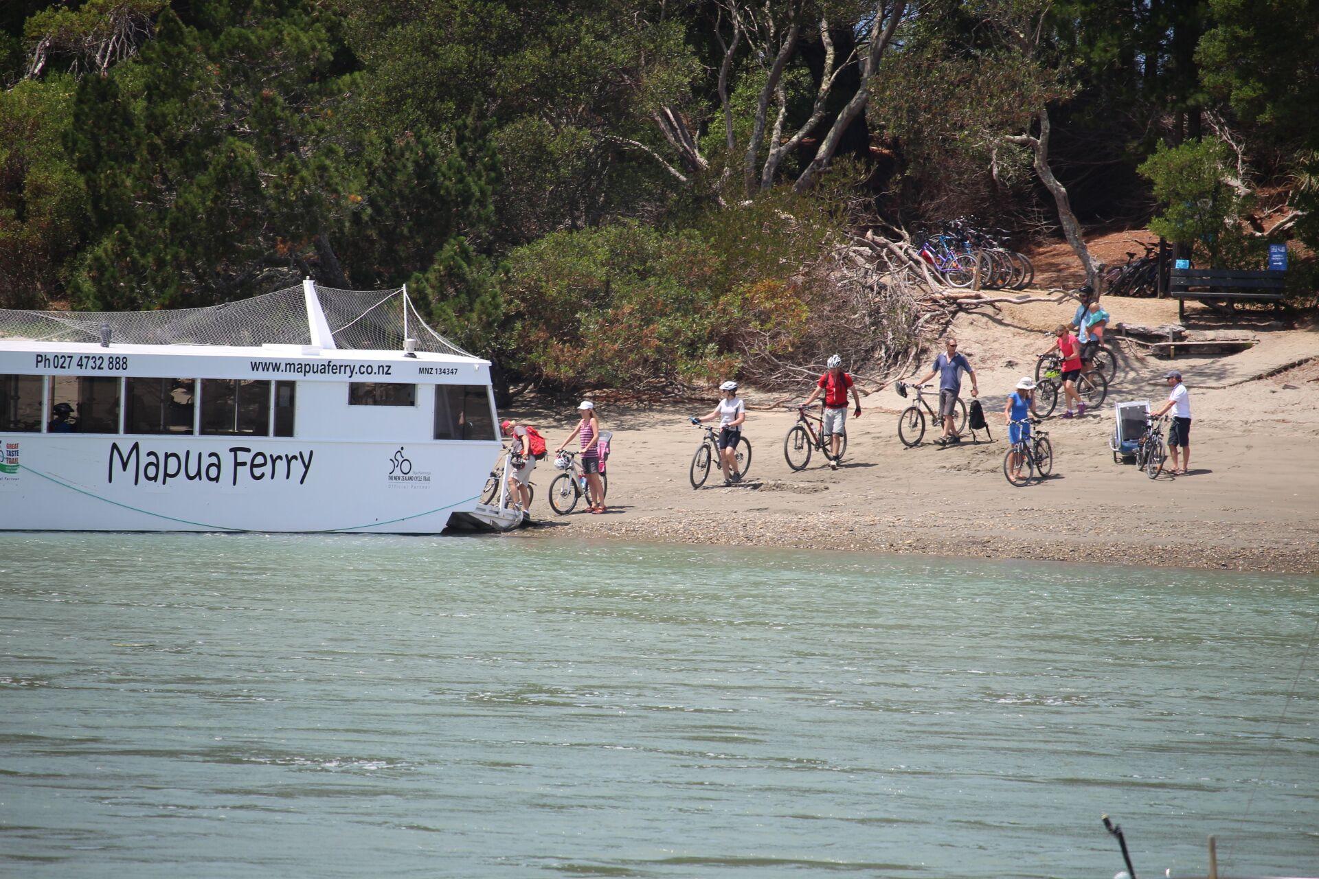Boarding the Mapua Ferry.jpg