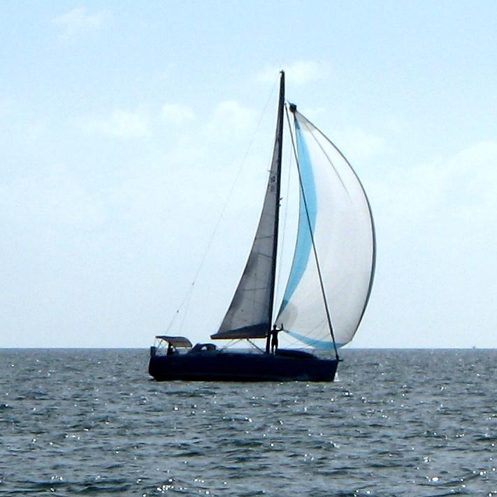 downwind sailing on Lightheart