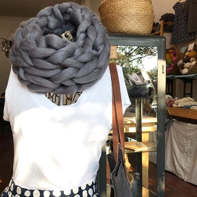 Getting my first fall workshop scheduled soon. You can find me teaching this arm knit infinity scarf @thesalvagedboutique in October. Details coming soon.  #armknitting #jumboyarn #creativeworkshops #studiohowto #thesalvagedboutique