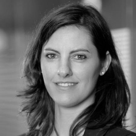 Paula De Corral, Omnichannel<br>Business Strategy Director, Caser