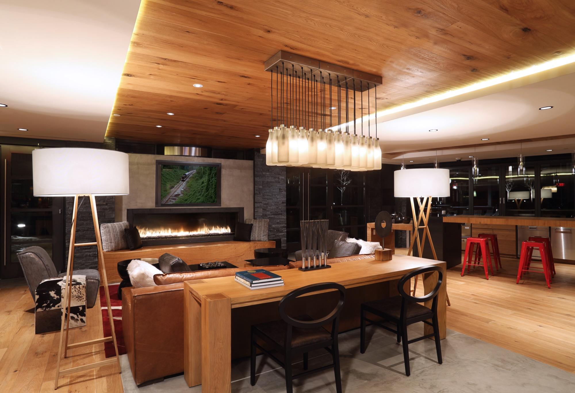 Notch 8 Lounge.jpg
