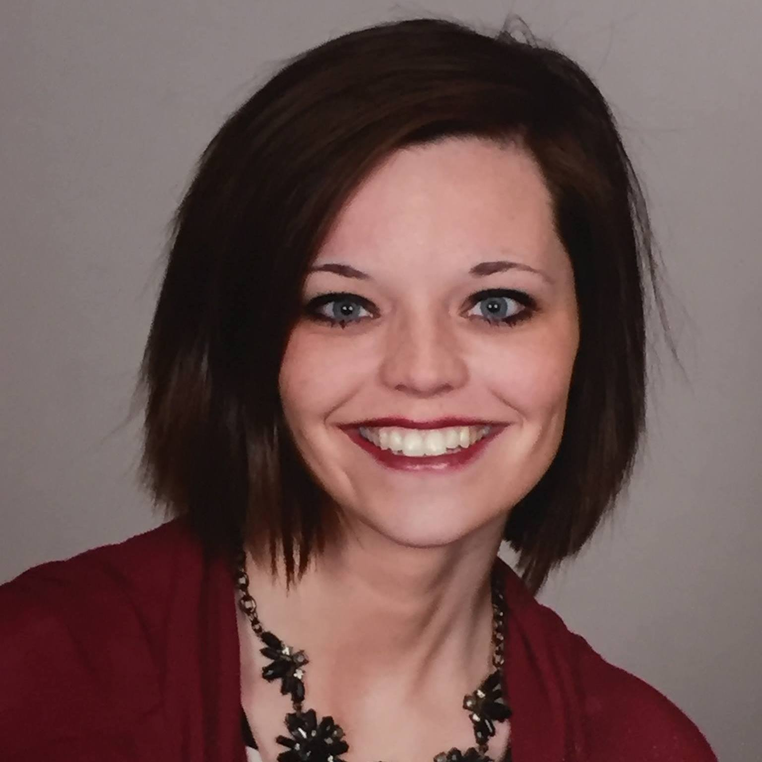Shannon O'Leary - Shannon grew up in the Fargo/Moorhead area. She currently works as a pre-kindergarten teacher for the JPII Catholic Schools Network. She loves reading, art, and spending time with family and friends. Shannon serves as the chapter administrator.