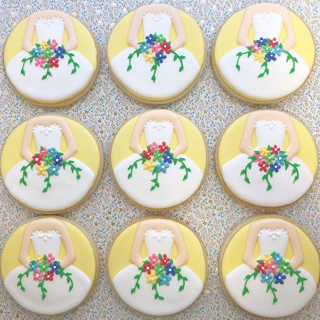 Bridal Shower Beauties! 👰💐 #bridalshower #bridetobe #bride #weddingdress #wedding #bridalshowercookies #weddingcookies #bridecookies #baking #sugarcookies #cookies #decoratedcookies #decoratedsugarcookies #edibleart #customcookies #cookieart #cookiedecorating #cookiesofinstagram #instagood #royalicing #thisisCLE #CLE #mksweetsco