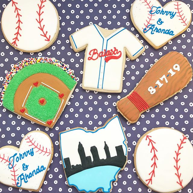 Wedding favors for a couple that are huge fans of the Cleveland Indians! 🥰 ⚾️#windians #baseball #cleindians #baseballcookies #clevelandcookies #baking #sugarcookies #cookies #decoratedcookies #decoratedsugarcookies #edibleart #customcookies #cookieart #cookiedecorating #cookiesofinstagram #instagood #royalicing #thisisCLE #CLE #mksweetsco