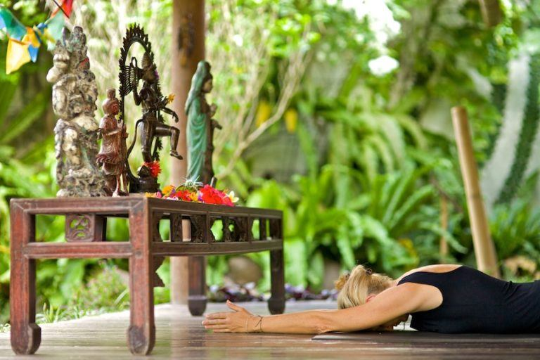 embodied flow yoga teacher training tarajudelle 20.jpg