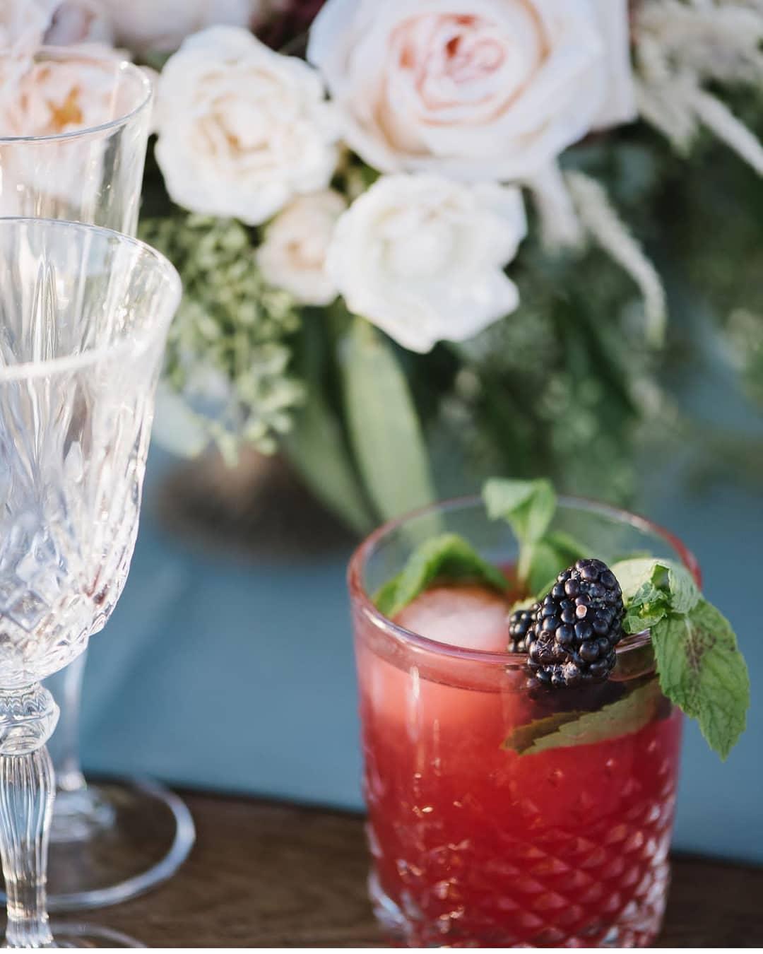 bottles & ice, bar service