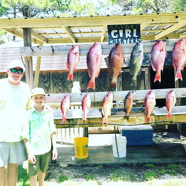 Talk about a mixed bag! #redsnapper #blacksnapper #lanesnapper #redgrouper #gaggrouper #fishing #fishhunter #beachlaunch #takeakidfishing #freshfromflorida #homegrown #graytonbeach #sowal #visitsouthwalton #30a #graytongirlcharters #biglucky