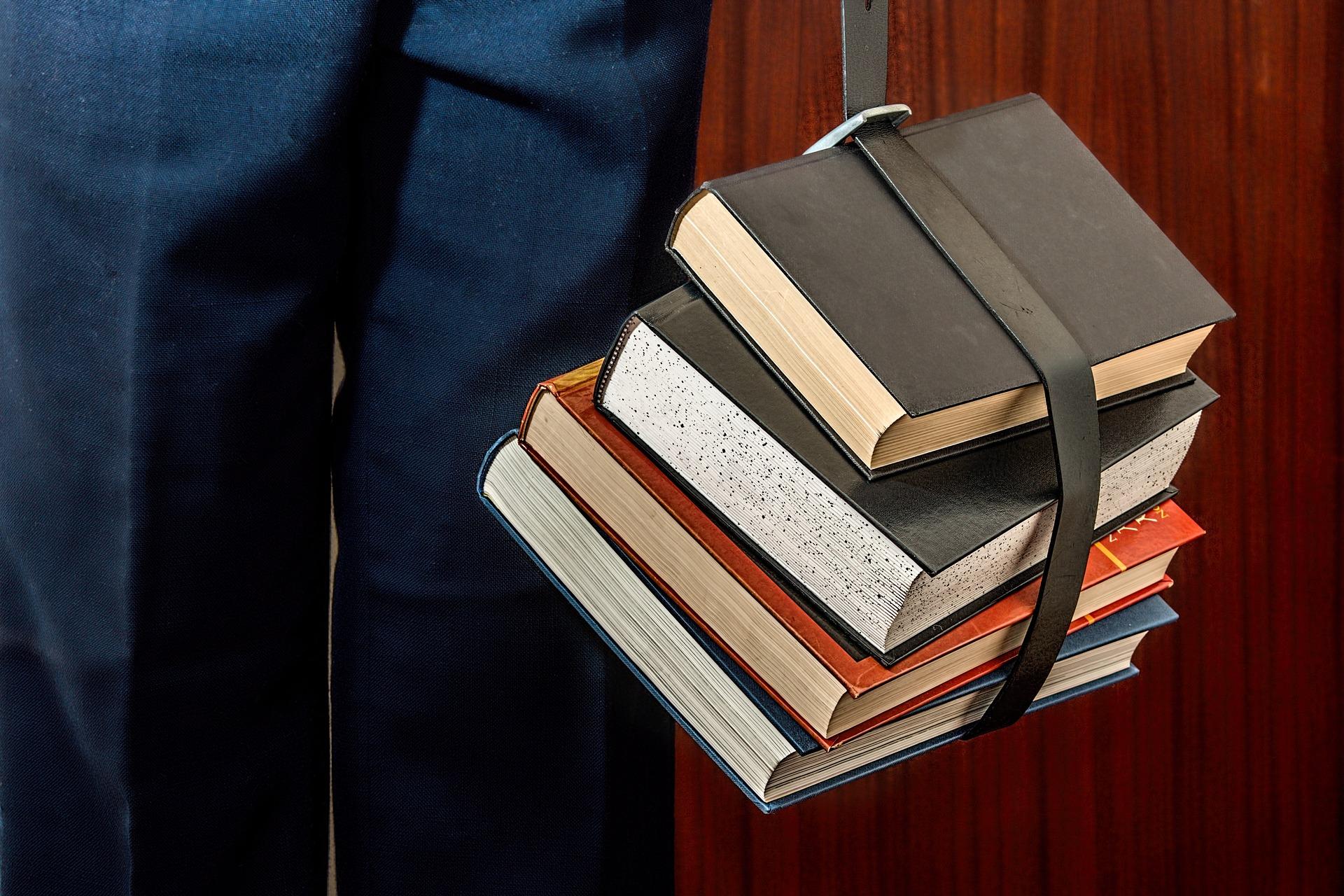 books-1012088_1920.jpg