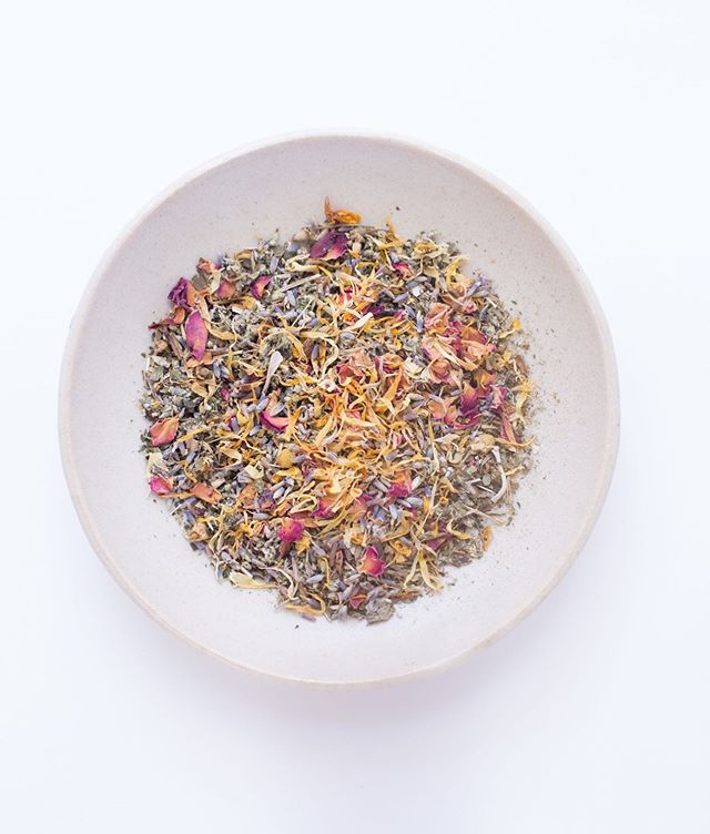 Some of our favorite herbs for yoni steaming: lavender, rose, chamomile, motherwort, calendula, Red Raspberry Leaf & Nettles. ⠀⠀⠀⠀⠀⠀⠀⠀⠀ Benefits of yoni steaming: • Heals and tones tissues of the vagina • Regulates menstrual cycle and flow • Reduces PMS symptoms • Increases fertility • Helps to clear uterine fibroids, ovarian cysts, & endometriosis • Helpful for pelvic pain, pain during intercourse, vaginal dryness, or tightness • Trauma & emotional healing + a reconnection to femininity • Postpartum healing, healing following miscarriage or abortion • Supports complete cycles pre-menopause ⠀⠀⠀⠀⠀⠀⠀⠀⠀ Interested in learning more about this feminine ritual? Check out our post on honoring your womb with yoni steams over @localrose 🌹 #linkinbio ⠀⠀⠀⠀⠀⠀⠀⠀⠀ ⠀⠀⠀⠀⠀⠀⠀⠀⠀