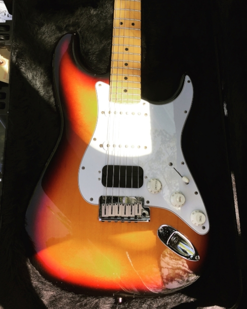 My beloved sunburst Fender Stratocaster, my main squeeze for the last 15 years.