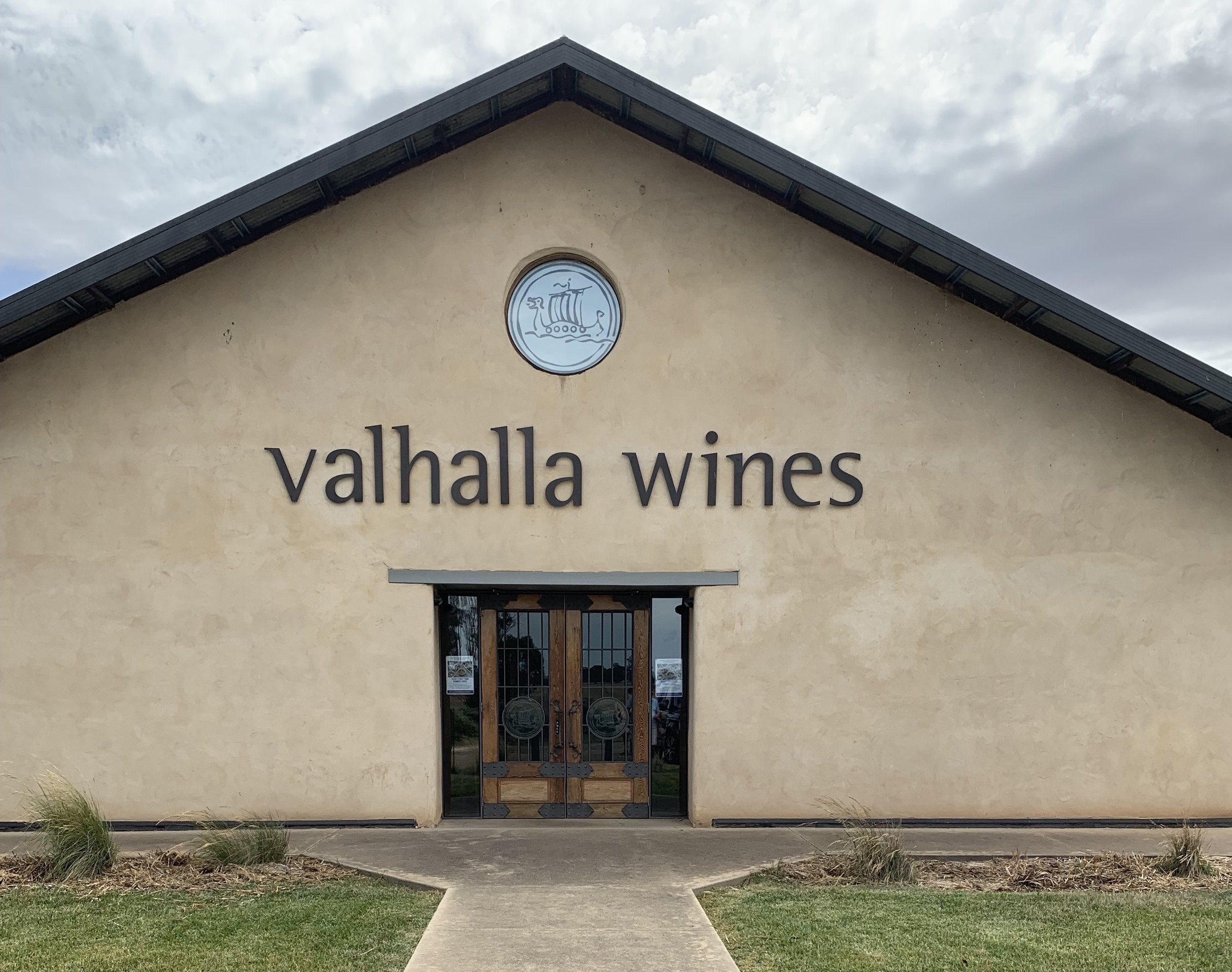 Valhalla Cellar Door is constructed with giant, load bearing straw bales