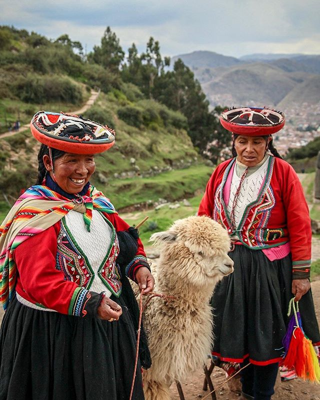 One of our favorite reasons to visit Peru - getting to know the friendly locals. 📷: @anita_ben