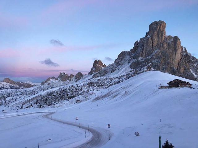 Dolomite sunrise | sunset 📷: @rschmo