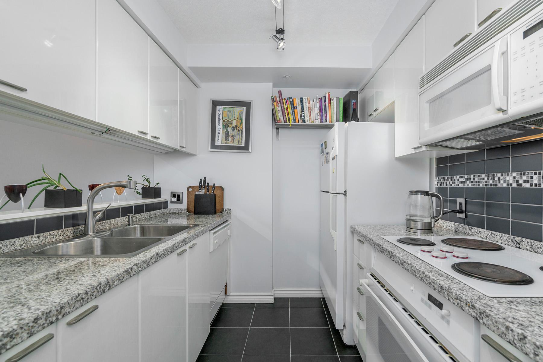 2105-1200-Alberni-Street-360hometours-08s.jpg